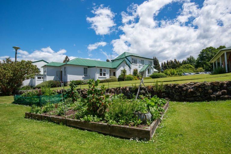 074 Vege garden.Building